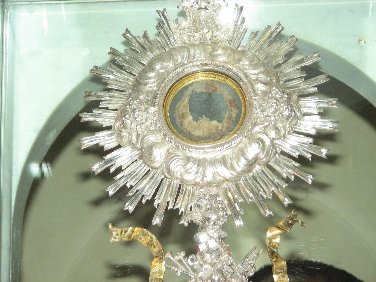 ostensorio miracolo Eucaristico
