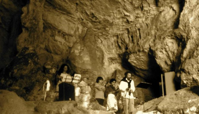 grotta del cavallone - stalattiti e stalagmiti